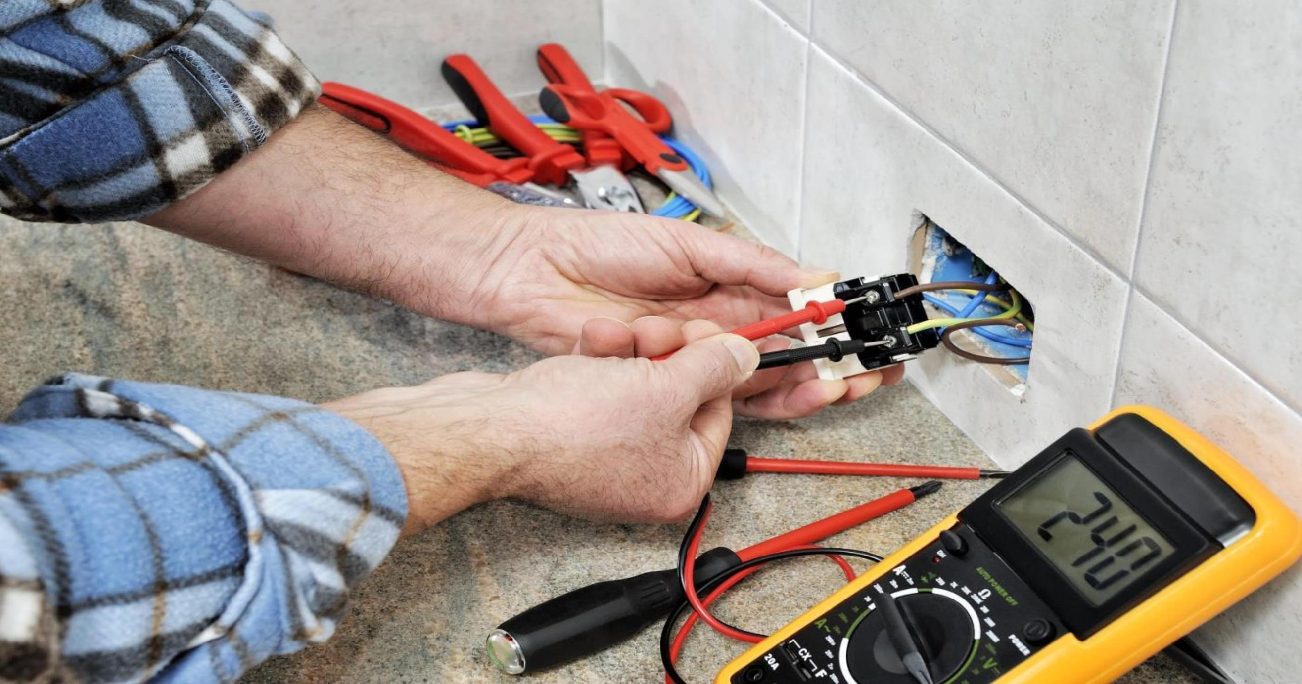 10 must have electrical tools for DIY projects